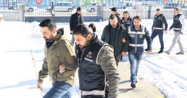 FETÖ operasyonu: 49 gözaltı 5 tutuklama