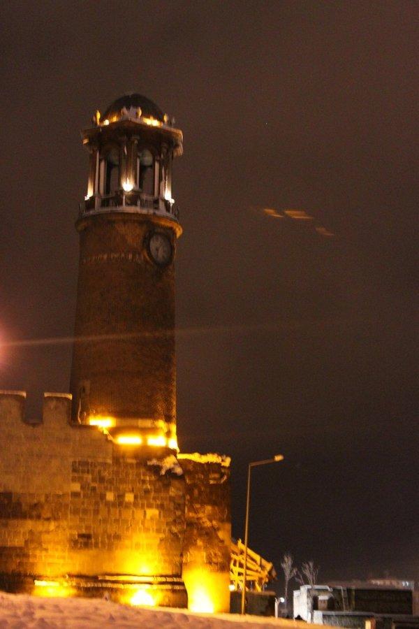 Erzurum saat kulesi ışıklandırıldı ile ilgili görsel sonucu