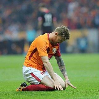 Galatasaray'da Serdar Aziz'le ipler koptu