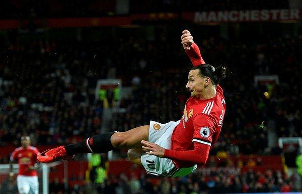 Manchester United, Zlatan Ibrahimovic'in sözleşmesini fesh etti!