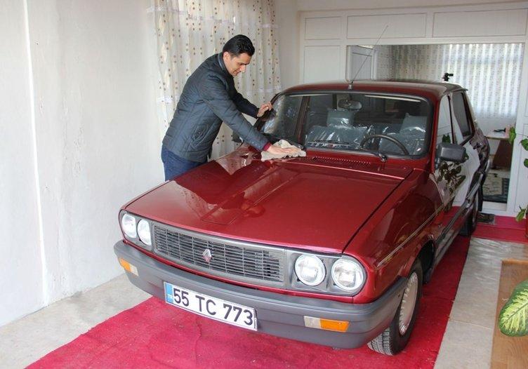 1999 model Toros otomobilini evinde saklıyor