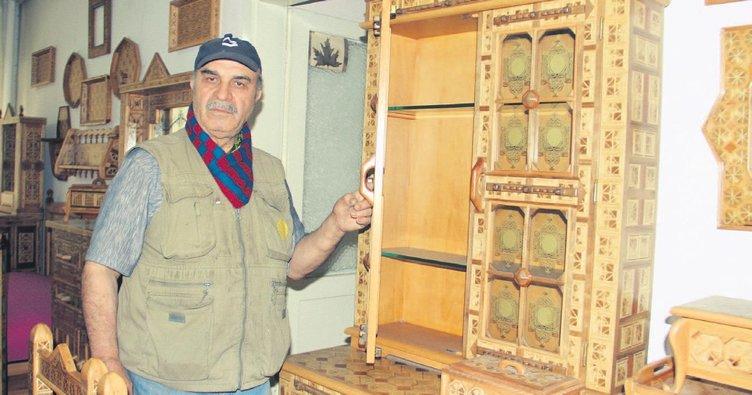 130 parça mobilyayı 25 yılda tamamladı