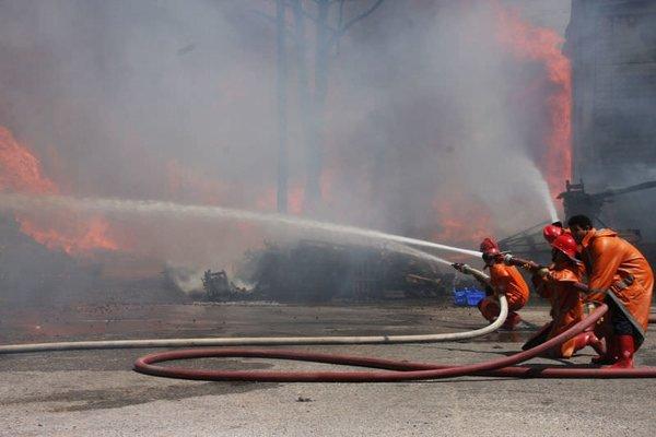 Konya Sebze ve Meyve Hali'nde yangın