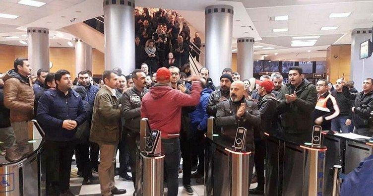 CHP'li Kadıköy Belediyesi'nde iş bırakma eylemi