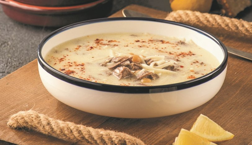 Yoğurt Terbiyeli Etli Erişte Çorbası