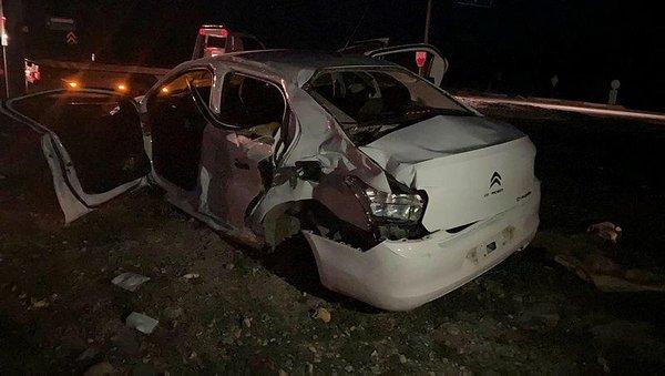 SON DAKİKA HABERİ: Tır ile otomobil çarpıştı: 3 ölü, 2 yaralı - Son Dakika  Haberler
