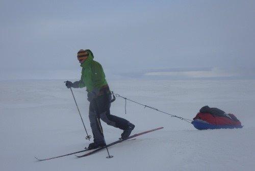 Antarktika'yı tek başına geçti