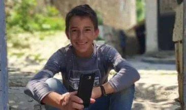 Ağaçtan düşen 14 yaşındakiçocuk hayatını kaybetti #hakkari