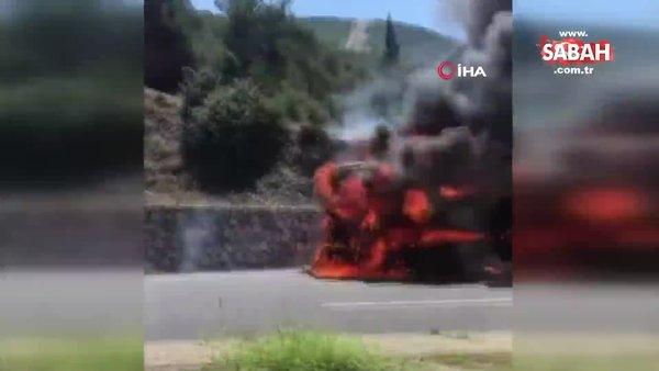 İzmir'de seyir halindeki TIR alev topuna döndü | Video