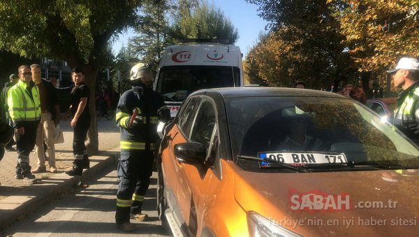 Direksiyon başında bayılan sürücü, cam kırılarak araçtan çıkarıldı