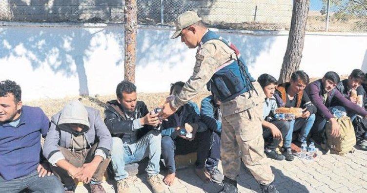 39 kaçak göçmen ve organizatör yakalandı