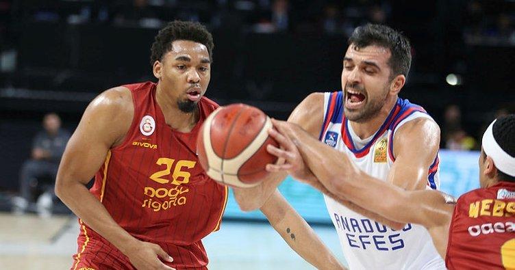 Anadolu Efes evinde Galatasaray Doğa Sigorta'yı mağlup etti