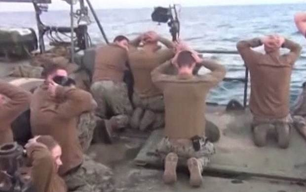 İran ABD askerlerini gözaltına aldı