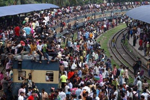 Bangladeş'te insan seli