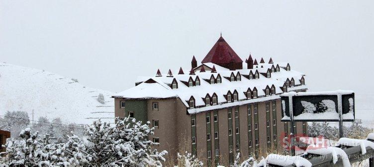 Erzurum'da kar kartpostallık görüntüler oluşturdu