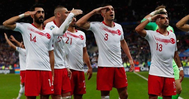 Erman Toroğlu, UEFA'nın asker selamına soruşturma başlatma kararını yorumladı