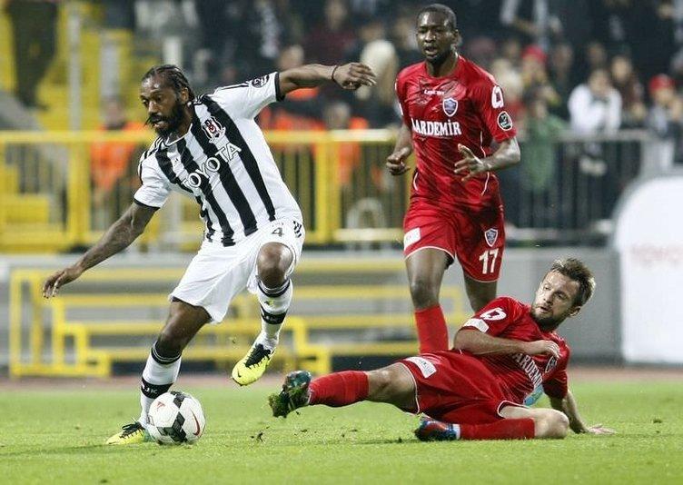 Beşiktaş - Karabükspor maçında kareler