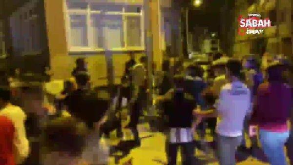 Taraftarlar birbirine girdi, çok sayıda polis müdahale etti   Video