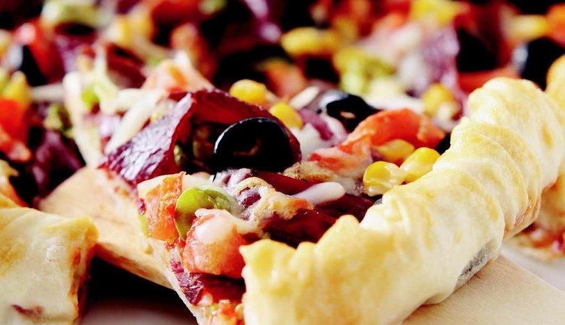 Yufkalı Pastırmalı Pizza