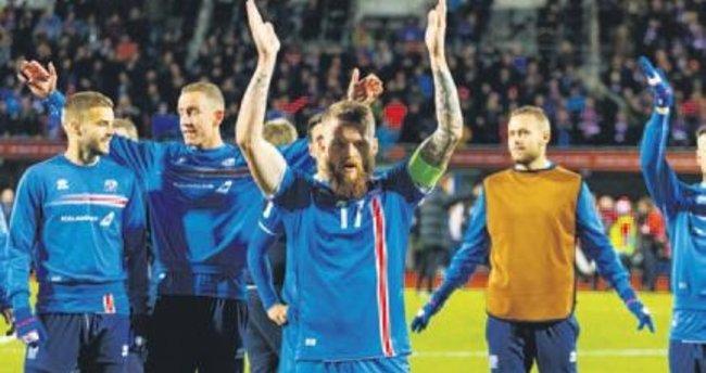 İzlanda'dan tarihi dönüş