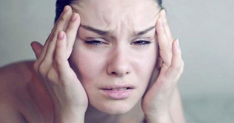 Sürekli ve geçmeyen baş ağrısı neden olur, neyin belirtisidir? Sürekli kronik baş ağrısına ne iyi gelir, nasıl geçer?