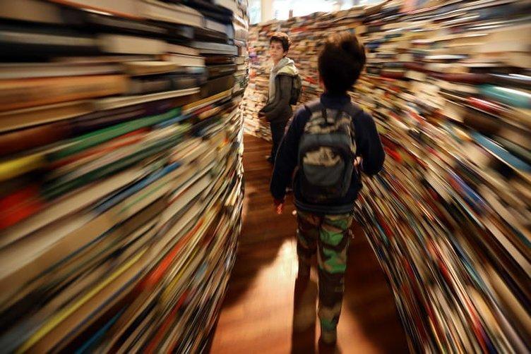 250 bin kitaplık labirent