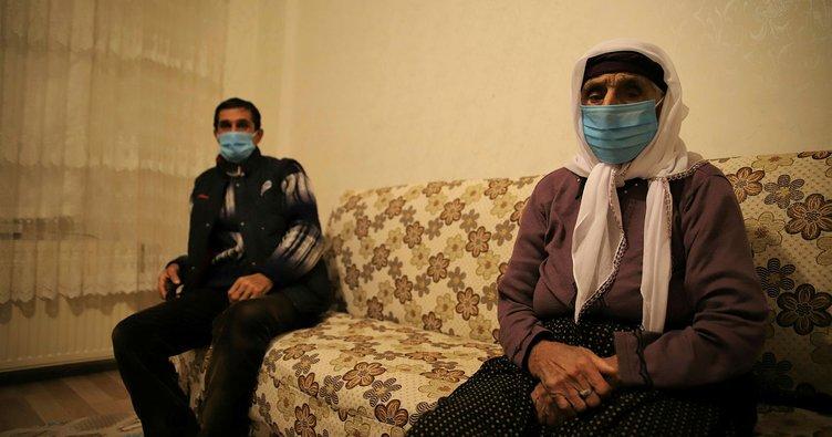 Elazığ'da 102 yaşındaki Şahide Gürbüz koronavirüsü yenmeyi başardı