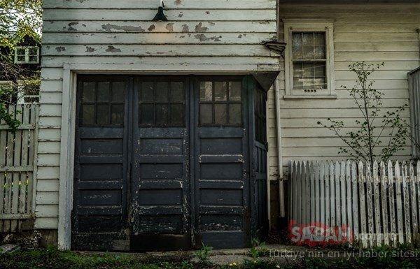 Satın aldığı evin garajından servet çıktı!