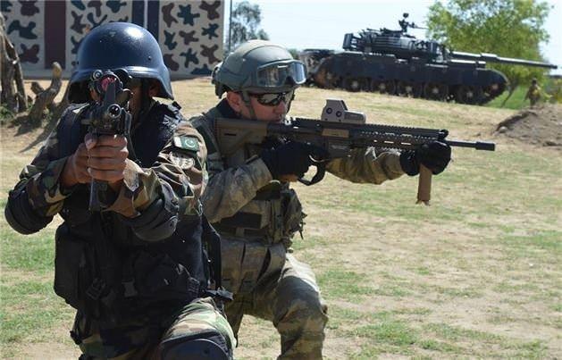 Türk komandolar Pakistan'da