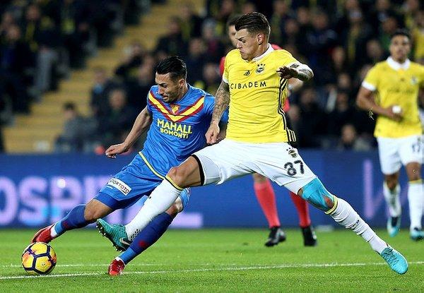Aykut Kocaman'dan dev maçta stopere sürpriz isim