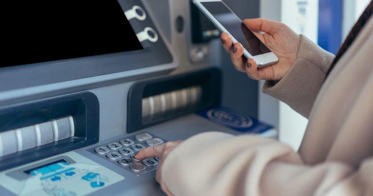 Bankalar saat kaçta açılıyor, kaçta kapanıyor? Finansbank, Akbank, Denizbank, Garanti saat kaça kadar açık?  2021 Banka çalışma saatleri!