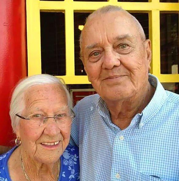 Yaşlı çiftler