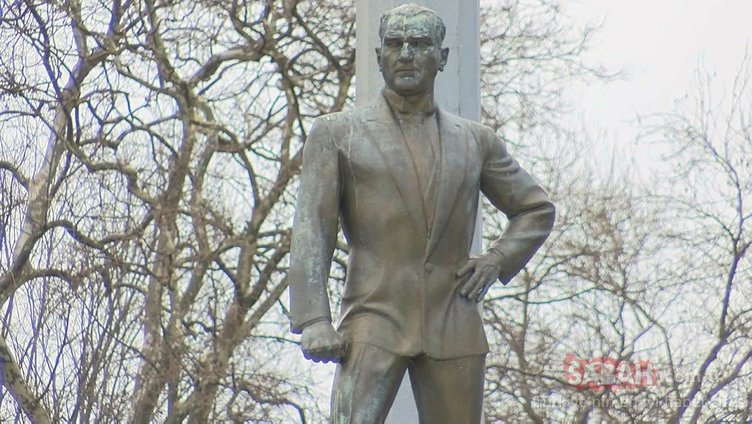 Türkiye'nin ilk Atatürk anıtı bakımsızlık içinde