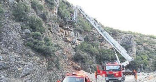 Mahsur kalan iki keçi kurtarıldı