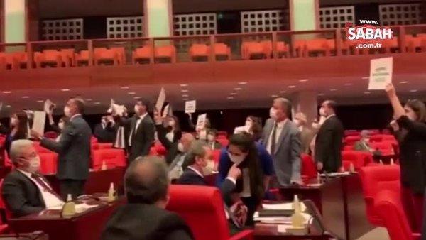 TBMM'de HDP'li vekillerden teröristler için af eylemi |Video