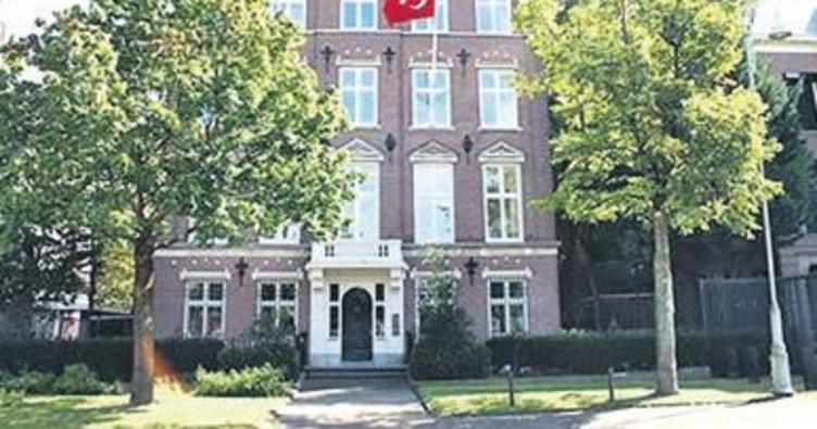 Türk konsolosluğuna molotoflu saldırı
