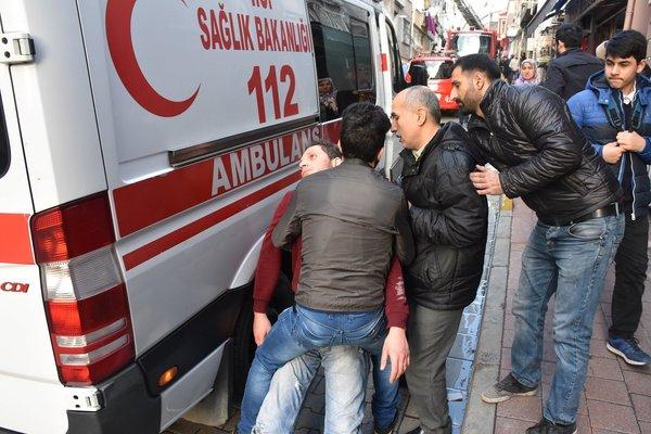 Fatih'te yangın: 1 ölü