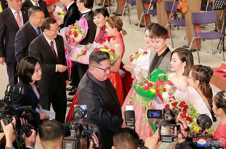 Kim Jong Un'un eşinin yasakları!