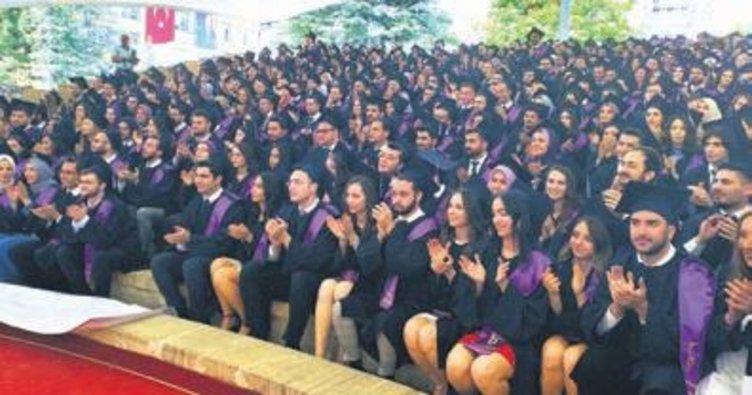 Bozok Ü. Tıp Fakültesi öğrencileri mezun oldu