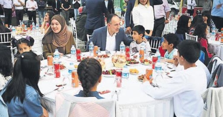 Kırıkkale Belediyesi çocuklara iftar verdi