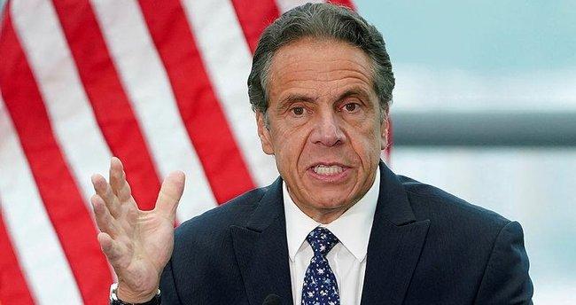 New York Valisi Cuomo taciz iddialarını reddetti