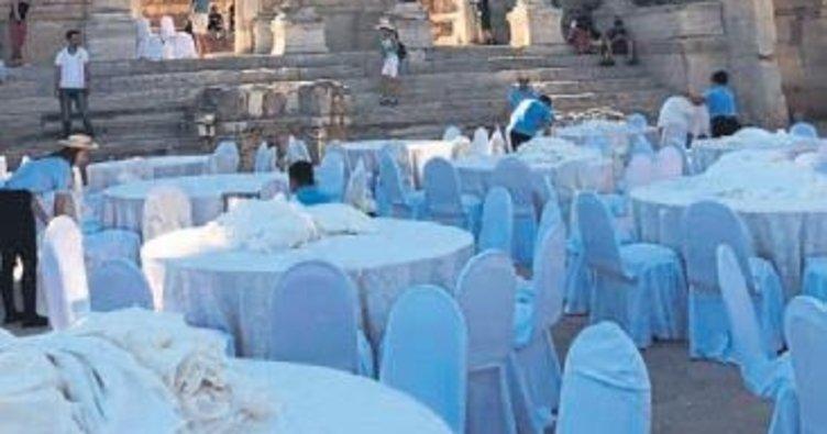 Efes'te düğün iddialarına cevap