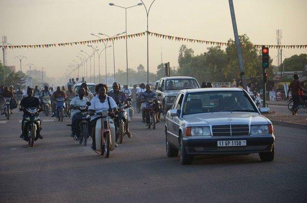 Bu ülkenin yüzde 80'i bisiklete biniyor