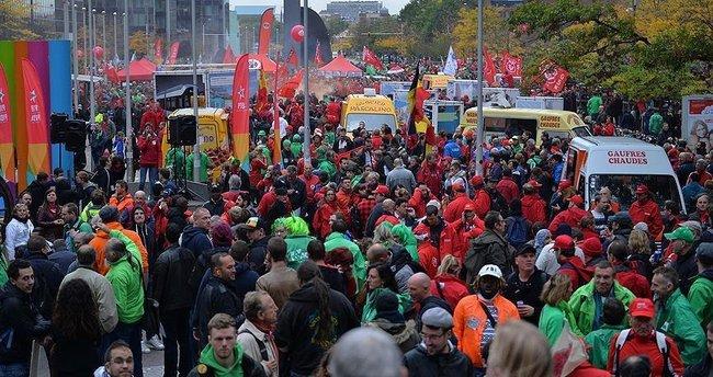 Brüksel'de sendikalar hükümeti protesto ediyor