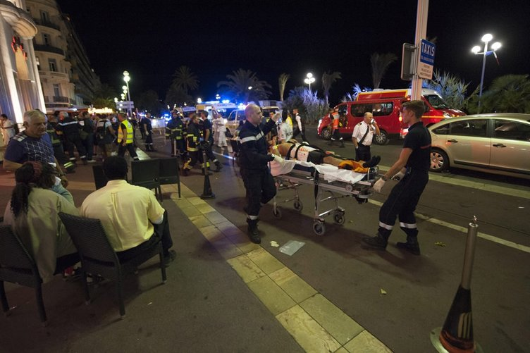 Fransa'daki terör saldırısından ilk kareler