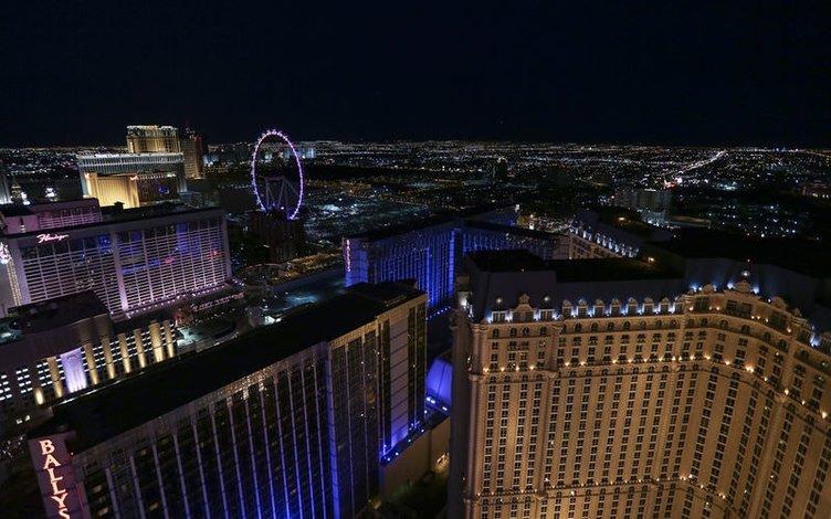 Las Vegas bir ikon daha kazandı