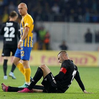 Beşiktaş; Burak Yılmaz, Douglas Santos ve Abdoulay Diaby'nin sakatlık durumlarını açıkladı