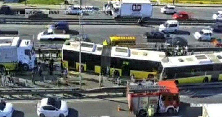 Avcılar'da metrobüs kazası! Olay yerinden dikkat...