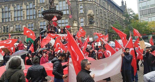 Binlerce Türk, Barış Pınarı için yürüdü
