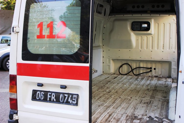 Sahte ambulansta 27 bin 500 paket kaçak sigara